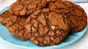 Quadruple-chocolate-protein-cookies