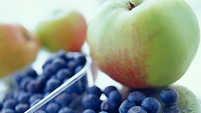 apples-blueberries